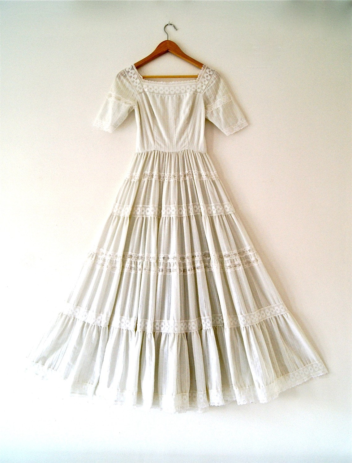 Vintage wedding dress mexican lace size small x small for Dresses for mexico wedding