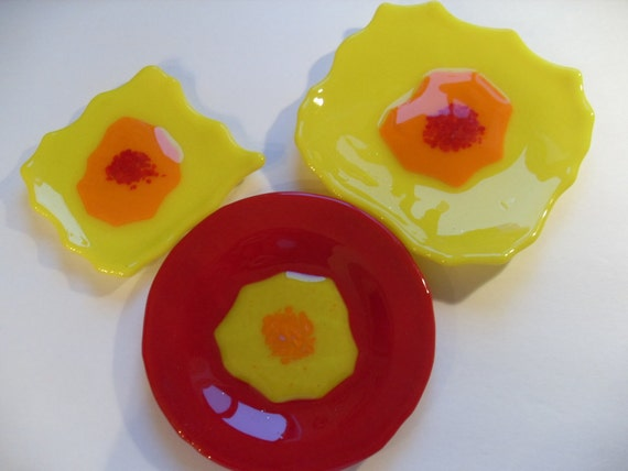 50% OFF Fused glass flowers plate set of 3 Yellow, red, and orange