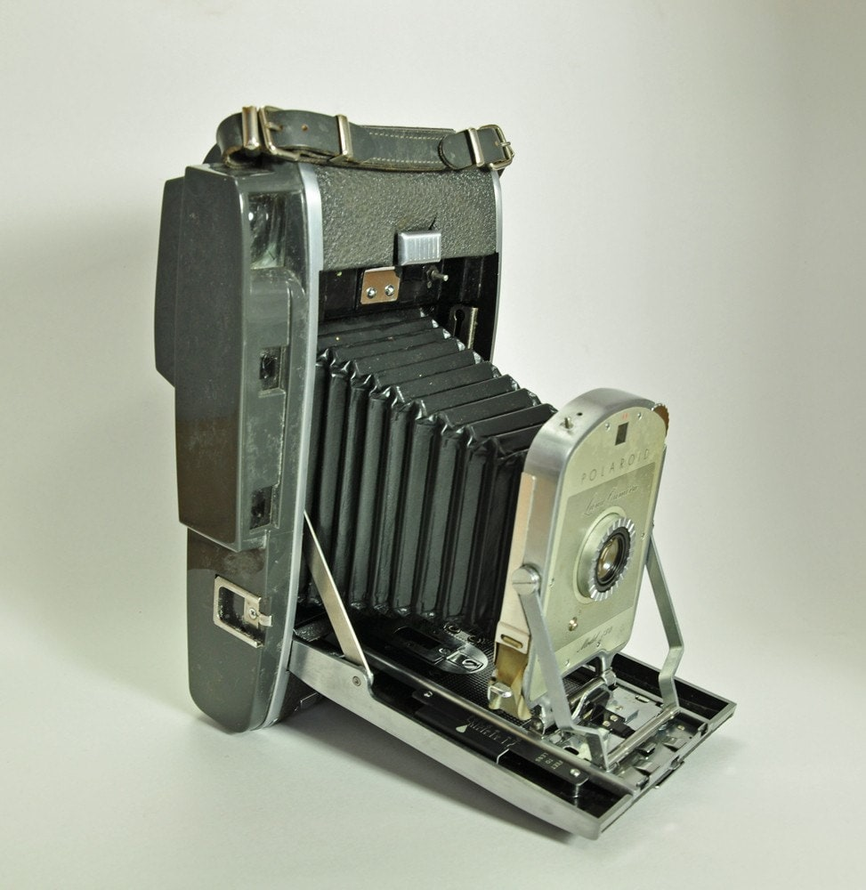 Model Land Movie: Vintage Polaroid Land Camera Model 150 With By Thefindvintage