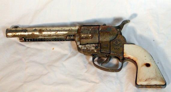 Fanner 50 Vintage Cap Pistol by Mattel Toy 1950s