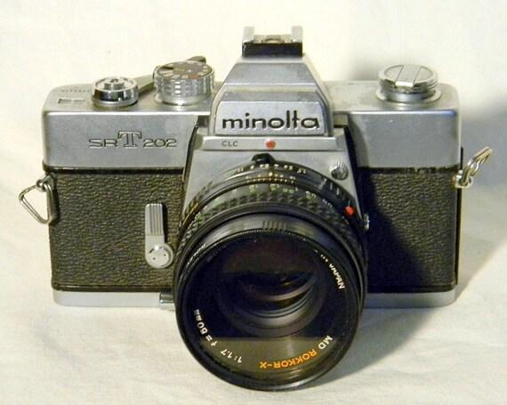 Minolta SR T 202 35mm Camera vintage 1975