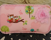 The Couture Mama Diaper Wipe Case in Riley Blake's Hoo's in the Forest- Baby Girl
