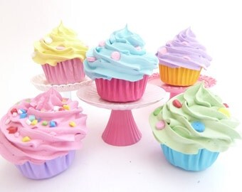 Cupcakes Christmas Decoration Set Of 5 mini cupcakes Christmas Ornaments  candyland Theme assorted colores