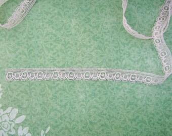Lovely Ecru Vintage Lace Trim