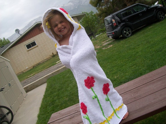 Hooded towel for big kids....in white, hot pink, and yellow