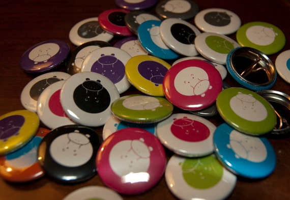 1000 1 inch custom buttons pins  (free shipping in the states)