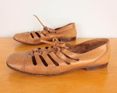 1960s Cutout Oxfords / Laceup Bandolinos Oxford Brogues - Womens 8.5 - 60s Mod Closed Toe Brown Italian Leather Flat Sandals
