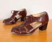 80s / 90s Cutout Oxfords / Brown Woven Leather Oxford Sandals - Womens 5.5 - Closed Toe Chunky Huaraches Stacked Heel Lace Up Low Heel
