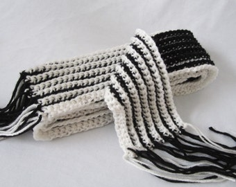 Crochet Scarf - Black and White - Reversible