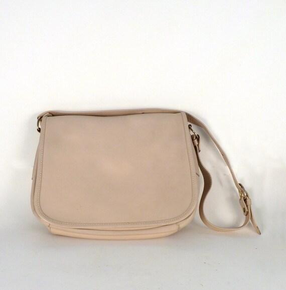 Vintage Leather Shoulder Bag Beige Cream white 1in Wide Strap Gold color Buckle Natural Interior Interior Ganson of Hong Kong Price Under 30