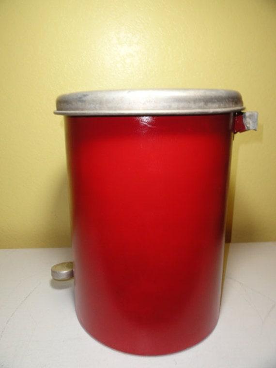vintage red trash step can pop up waste1950s retro kitchen. Black Bedroom Furniture Sets. Home Design Ideas