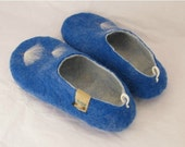 Felted wool slippers shoesin us size 7.5 , 8, sky blue color with beautiful dandelion , white inner side