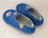 Felted wool slippers shoes in woman's size,  sky blue color with beautiful dandelion , white inner side