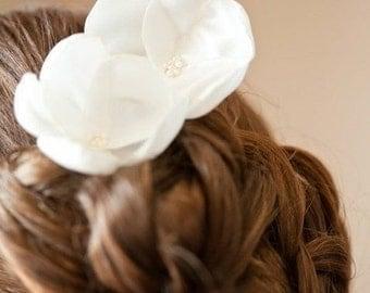 Isabelline white rosebud blossom wedding flower bobby pins (set of 4)