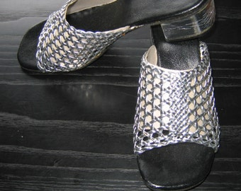 60's 70's Silver slides, Shoes.  Vintage, Hippie, Ethnic, Boho, Summer of LOVE.  Woodstock