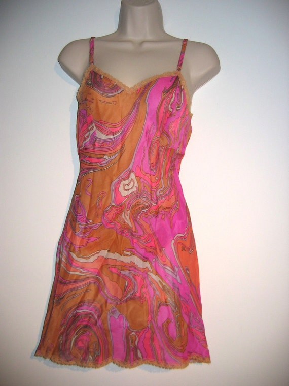 60's Mini Slip and matching Panty. Vintage, Magenta psychedelic.  Mod, Lolita, Mad Men.  Bali. Size 32 Small.