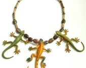 LEAPIN LIZARD NECKLACE 17 1/2', olive green, orange, mustard, brown, gray,yellow with plastic lizards