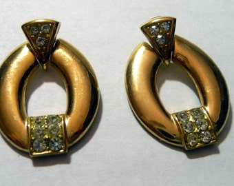 SALE.. SALE..VINTAGE 1980s BLING RHINESTONE EARRINGS