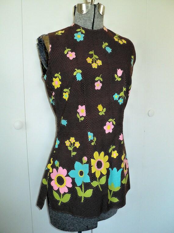SALE // 60s Brown Swiss Polka Dot Flower Top- S