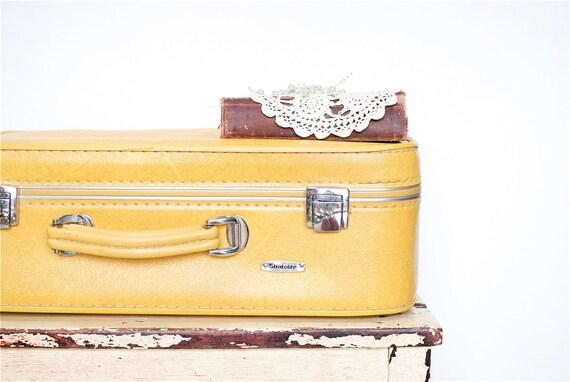 Vintage Stratolite Suitcase in Mustard Yellow