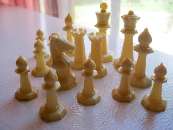 Vintage chess set, mini chess set, 1940s chess set, travel, with instructions, black and white