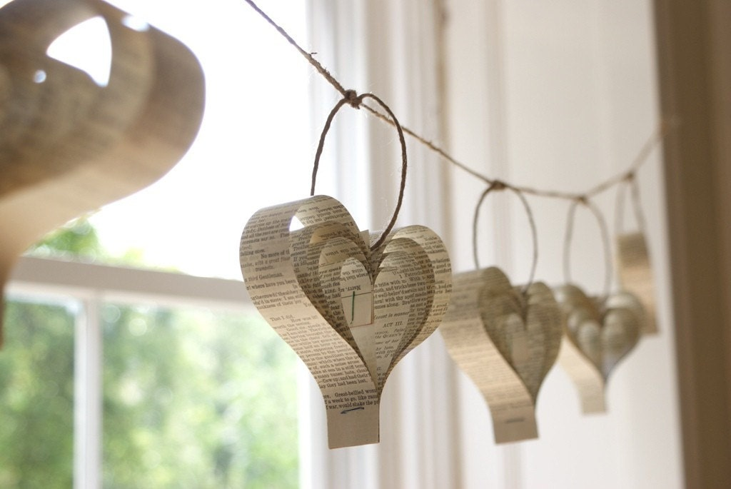 Home decor paper heart garland shakespeare upcycled books for Heart decoration ideas