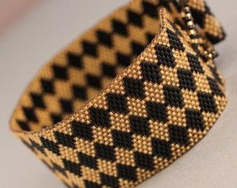 Peyote Bracelet - Gold and Black Peyote Diamond
