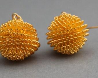 Earrings - Gold Colored Wire Earrings