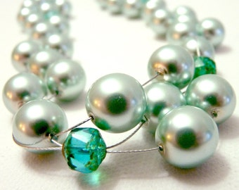 Woven Sparkling Pearl Necklace in Sea Foam Green