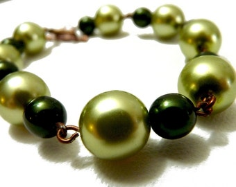 Peridot and Hunter Green Pearl Chain Bracelet with Copper