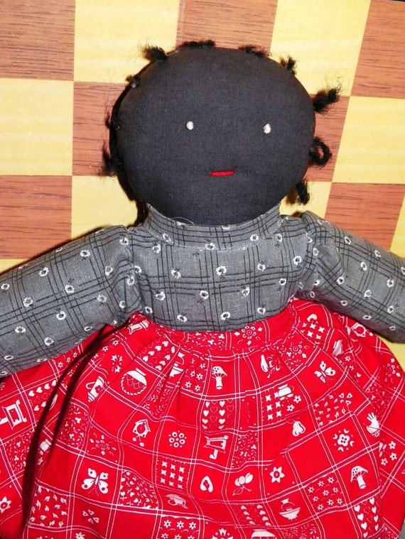 Primative Handmade Vintage Cloth Rag Doll - Black With Adorable Dress And Apron - Sweet Smile - Collectable