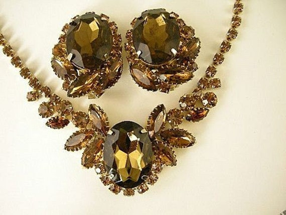 Topaz Colored Glass Necklace and Earring Set