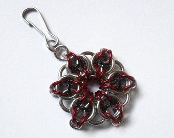 Zipper pull, Chainmaille star, Celtic Visions star weave, Red and black zipper pull