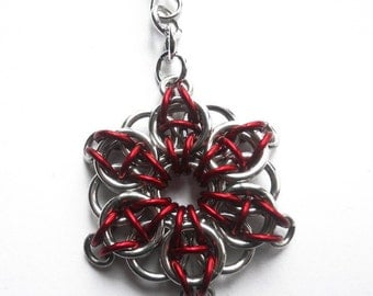 Chainmaille zipper pull -  Celtic Visions star in bright red