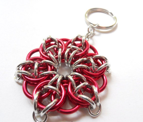 Star key chain, Chainmaille, Handwoven, Red and silver, Large