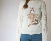 vintage 1970s cat sweater / 70s embroidered kitsch animal sweater / size small