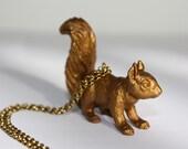 l'ecureuil \/ the squirrel necklace