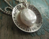 hammered names around pearl, personalized jewelry, mother's necklace, hammered disc, hand stamped, customized, personalized pendant, for mom