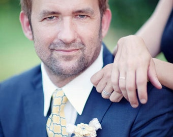 The Beau- men's vintage yellow lattice necktie