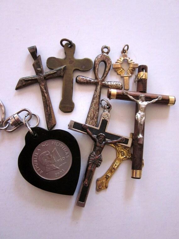 Vintage Cross Pendants Religious Lot Destash Crucifixes