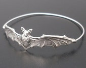 Halloween Bracelet, Bat Jewelry, Silver Bat Bangle, 2016 Halloween Jewelry, Bat Bracelet, Animal Bracelet, Animal Jewelry, Halloween Bangle