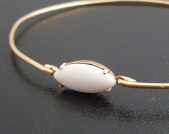 White Cabochon Bangle Bracelet, Friederika - White and Gold Bracelet, White, Cabochon Bracelet, Cabochon Jewelry, White and Gold Jewelry