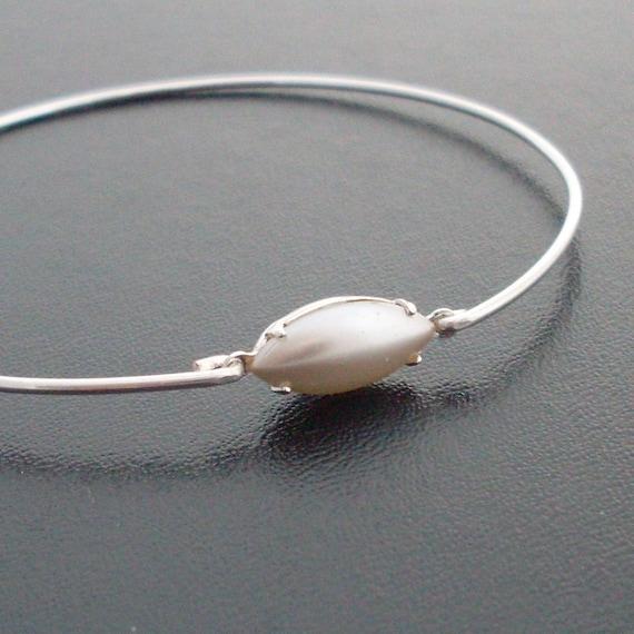 Pearl Bead Bracelet, Kakita - Silver and Pearl Bracelet, Silver Pearl Jewelry, Delicate Jewelry, Delicate Bracelet, Delicate Bangle Bracelet