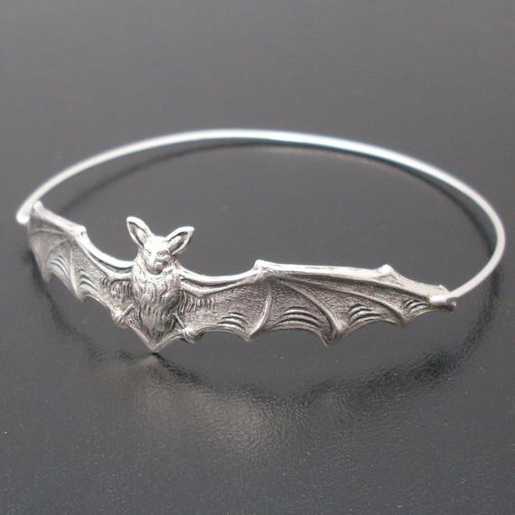 Bat Bangle, Silver, Bat Bracelet, Animal Bracelet, Animal Jewelry, Halloween Bangle, Halloween Bracelet, 2015 Halloween Jewelry, Bat Jewelry