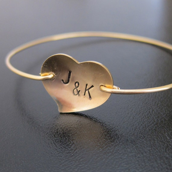 Personalized Initial Heart Bangle Bracelet, Couples Initials, Custom Anniversary Gift, Custom Wedding Gift for Bride, Wedding Gift for Mom