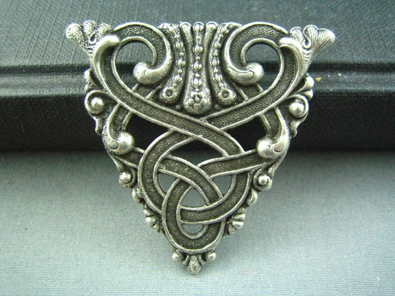 1 PC ox sterling silver plated brass Celtic Design Ornate Triangle Stamping