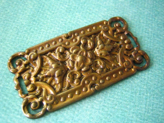 1pc large Victorian floral rectangle, hand aged brass connector (HA025)