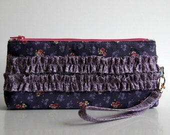 Flat-bottom zippered pouch with ruffles and detachable wrist strap