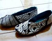 Women kimono room shoes size 8