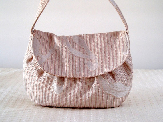 Ivory and cream bag in 100% recycled tapestry fabrics